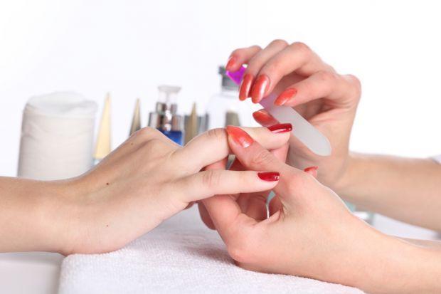 Como fazer uma boa manicure e pedicure