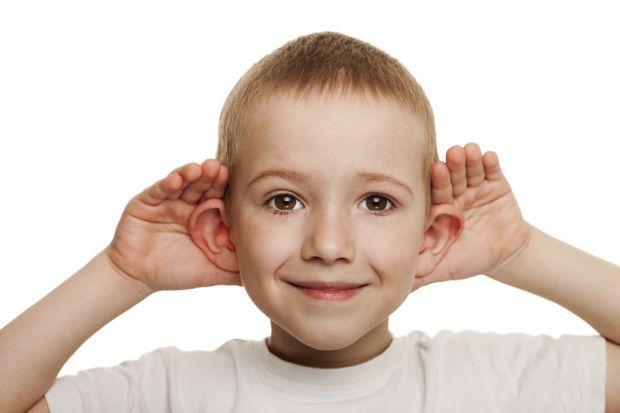 Causas da deficiência auditiva em crianças