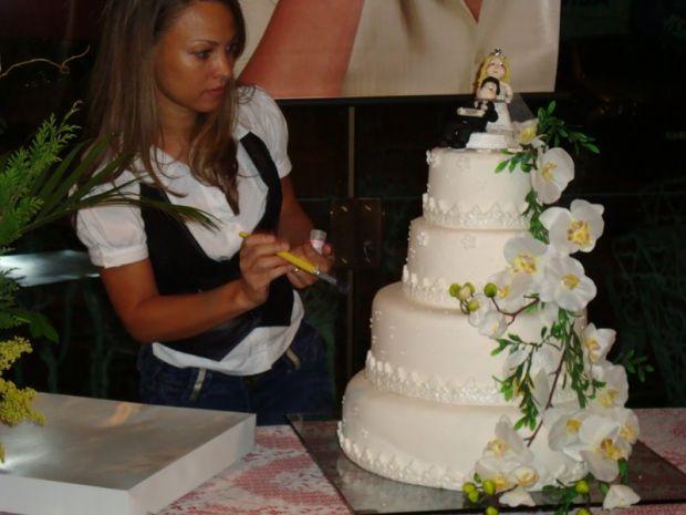 Como fazer bolos artísticos e de casamento?