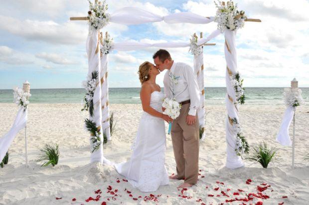 7 melhores penteados para casamento na praia