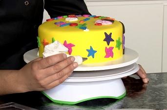 curso de bolos decorados com pasta americana...